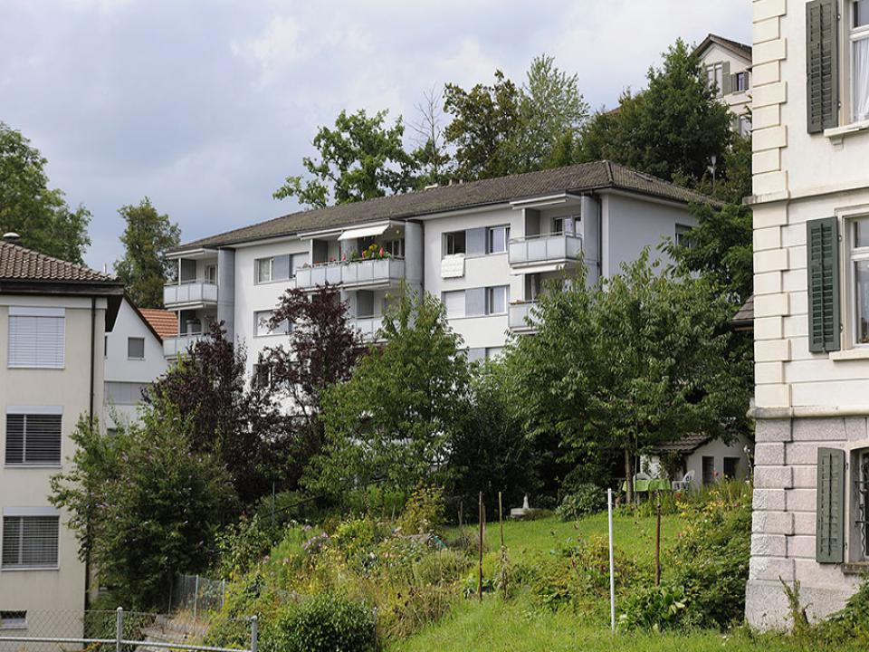 Mehrfamilienhaus in Rüti